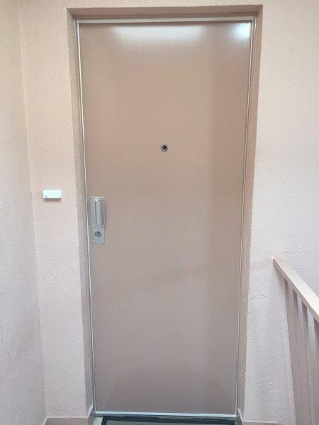 serrurier pour installation de porte blind e sur marseille 8 me airoumian service. Black Bedroom Furniture Sets. Home Design Ideas