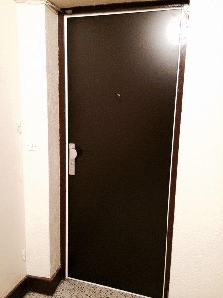 devis gratuit serrurier marseille d pannage d 39 urgence. Black Bedroom Furniture Sets. Home Design Ideas